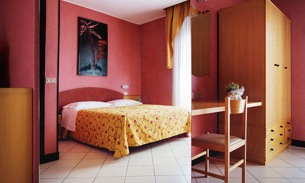 hotel-posizione-strategica-3-stelle-rimini-int
